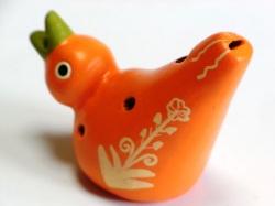 フェアトレードの小鳥のオカリナ オレンジ