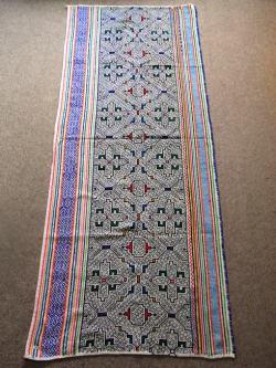 アマゾンの先住民族 シピボ族の刺繍布