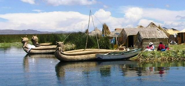 ティティカカ湖 ウロス島 ペルー